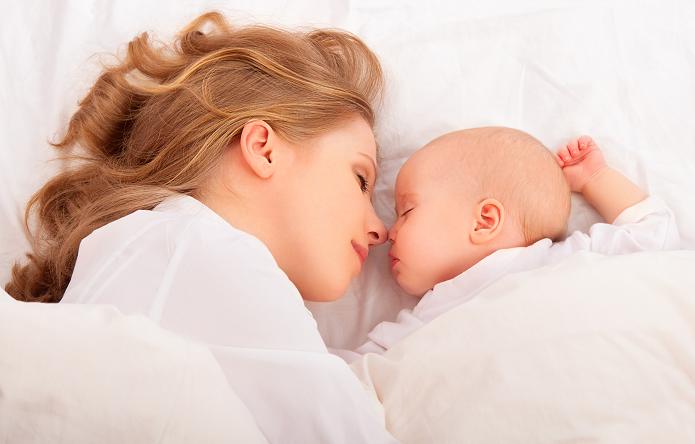 Devenir parents veut-il dire « au revoir » à notre sommeil ?